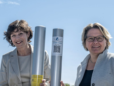 BfS President Inge Paulini and Federal Environment Minister Svenja Schulze announce the expansion of the UV measurement network